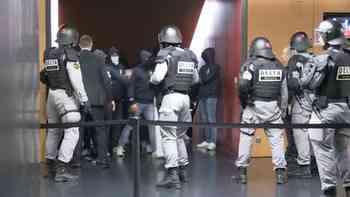 FCZ-Hooligans stürmen die Letzigrund-Katakomben