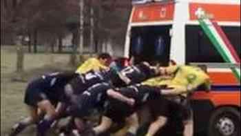 Ambulanz musste zu Rugby-Spiel ausrücken – zum Glück