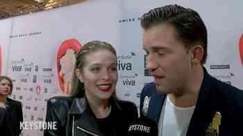 Das neue Glamourpaar DJ Antoine und Laura Zurbriggen an den Swiss Music Awards